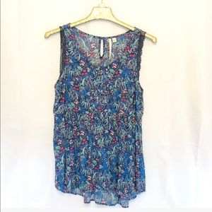 NWOT LAUREN CONRAD BLUE FLORAL TOP